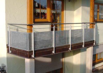 Schlosserei-Metallbau-Duerrbeck-Balkongeländer-Beispiel121