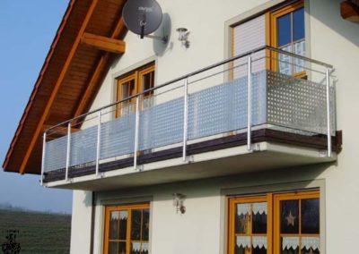 Schlosserei-Metallbau-Duerrbeck-Balkongeländer-Beispiel122