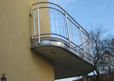 Schlosserei-Metallbau-Duerrbeck-Balkongeländer-Beispiel52