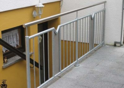 Schlosserei-Metallbau-Duerrbeck-Balkongeländer-Beispiel55