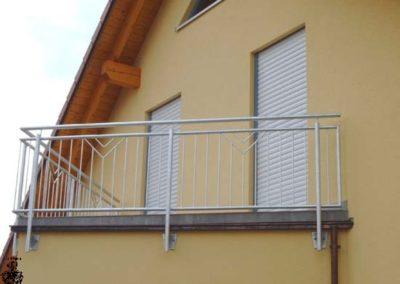Schlosserei-Metallbau-Duerrbeck-Balkongeländer-Beispiel87